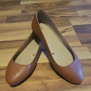 NWOT Time and Tru Slip Ons Size 7 1/2 Wide